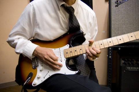 深夜にギター